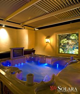 Enjoy the moonlight in your jacuzzi under an adjustable louvered roof system